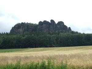 Blick auf den Pfaffenstein von Pfaffendorf