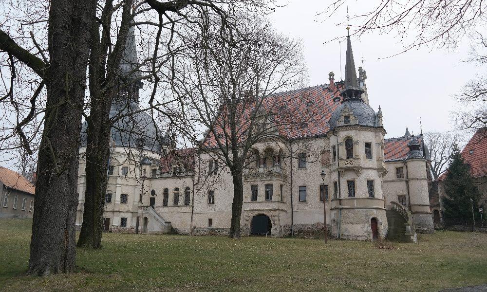 Ein Abstecher ins Neorenaissance-Schloss Schönfeld bei Radeburg