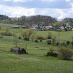 Blick auf ein vogtländisches Dorf