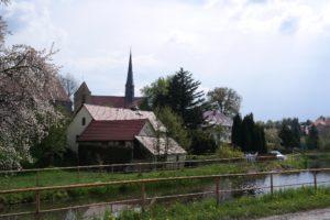 Das Unterdorf in Langebrück mit Kirche
