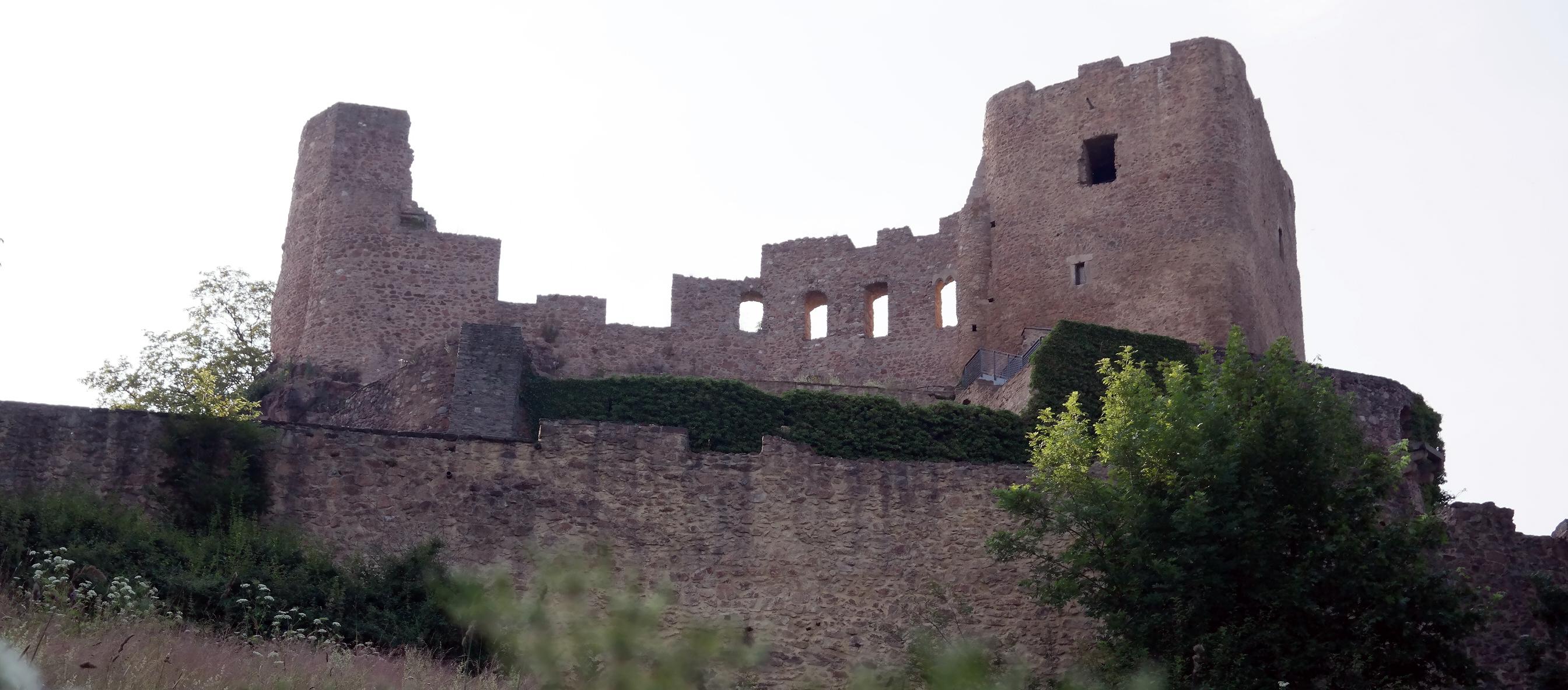 Burgruine Frauenstein – Wie e bissel Schottland