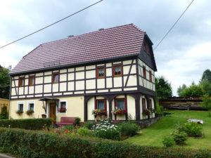 Hübsches Fachwerkhaus in Kleingießhübel