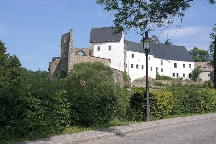 Burgruine und Schloss Lauenstein