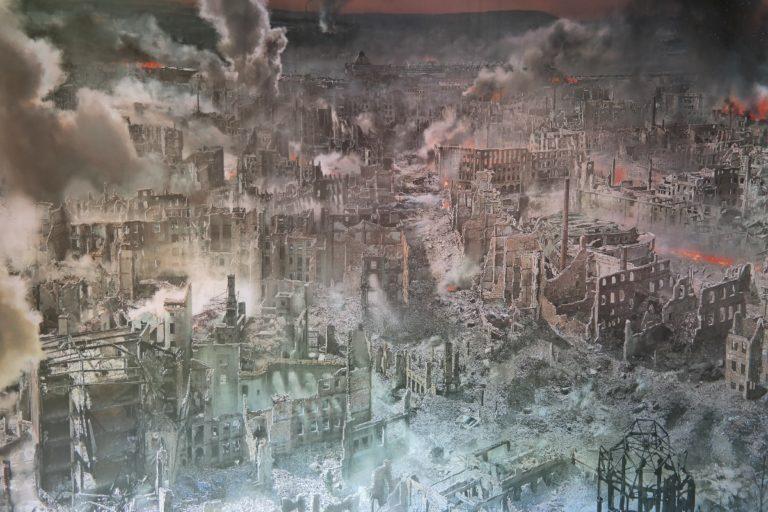 Zerstörung Dresdens - aufgenommen im Panometer Dresden