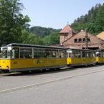 Die Kirnitzschtalbahn - Ausstieg in Fahrtrichtung rechts