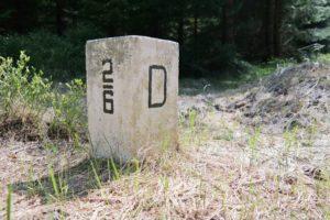 Grenzstein auf dem Weg nach Klingenthal