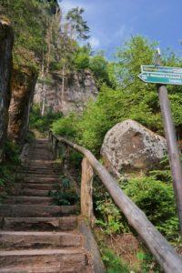 Die Wolfsstiege hinauf zur oberen Affensteinpromenade