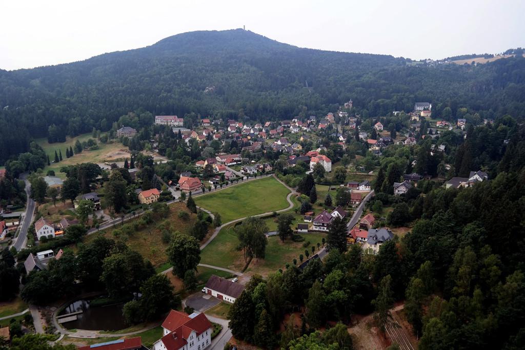 Blick auf Oybin vom Klosterkirchturm der Ruine