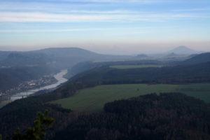 Aussicht gen Osten auf dem Lilienstein