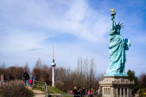 Vom Berliner Fernsehturm zur New Yorker Freiheitsstatue in 10 Minuten