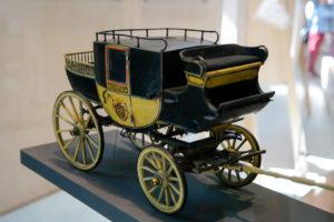 Modell einer alten Kutsche