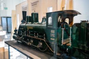 Modell einer Lokomotive im Verkehrsmuseum Dresden