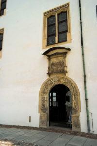 Portal der Kirche in Schloss Hartenfels