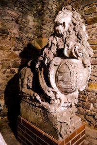 Statue im Lapidarium des Schloss Hartenfels
