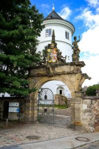 elbseitige Ansicht mit Eingang zum Lapidarium