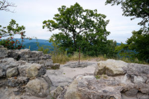 Rückstände der Felsenburg auf dem Hinteren Raubschloss