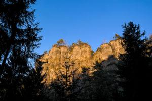 Felsformation in der Sächsischen Schweiz im Abendlicht