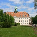 Blütentraum und Brunnenzauber – Das Schloss Lichtenwalde